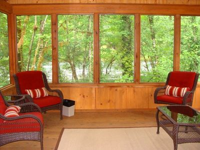 Wonderful screened-in porch with new furniture, just feet from the McKenzie.