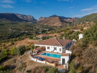 Photo for Family villa with magnificent panoramic views