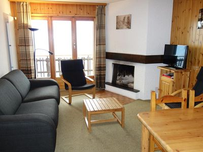 Photo for 2* apartment for 6-8 people next to the departure of the lift. Bright living room with sofa bed, fir
