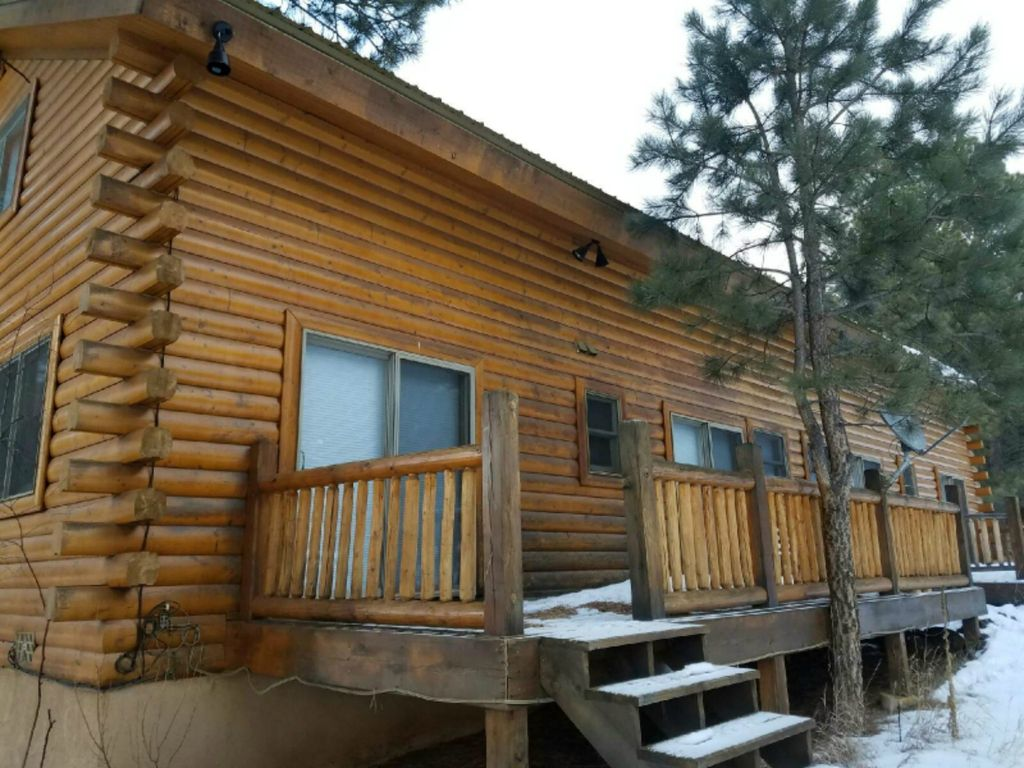 Bear cabin sleeps 10 wi fi close to ski slopes angel fire for Cabins in taos nm