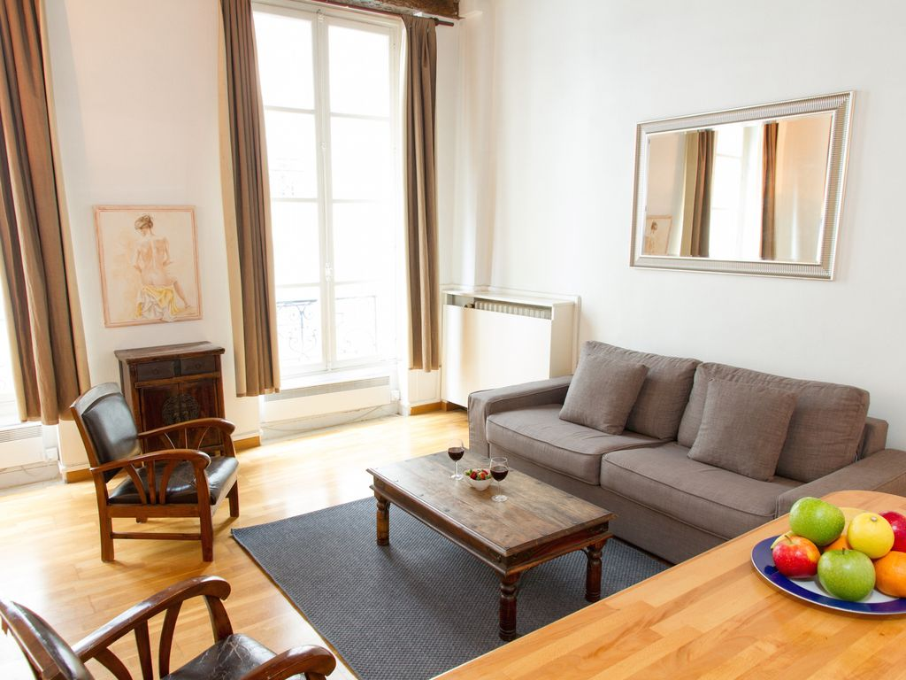 SOPHISTICATED ONE BEDROOM APARTMENT... - HomeAway Monnaie