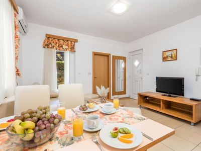 Photo for Apartment Mihaela 2 in Rab/Rab - 4 persons, 1 bedrooms