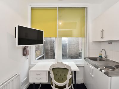 Photo for Very affordable Single room with shared kitchen and bathroom