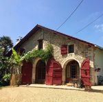 Beautiful and warmly rural gite, easy access to beach, water and mountain experiences