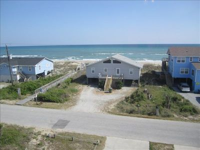 Spectacular Ocean Views from cottage. Beach access just across the street!