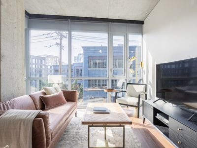 Photo for Ideal South Lake Union 2BR w/ Gym, W/D, walk to Google, by Blueground