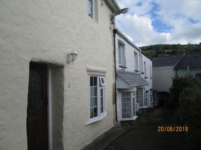 Photo for Comfortable Character Cottage 'Bumble Cottage'