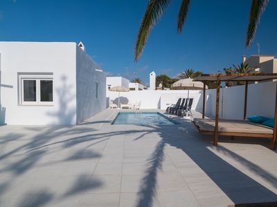 Photo for Modern-style villa near the beach – Villa Garasa