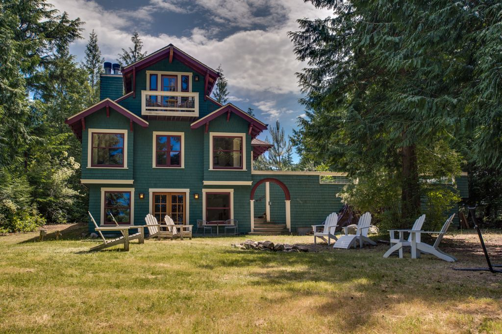 Lovely waterfront home with hiking trail homeaway for Cabin rentals near hiking trails