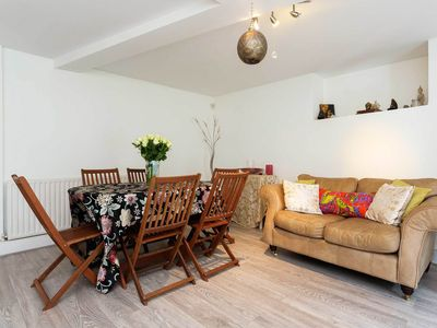Photo for Cosy Two Bedroom Apartment boasting an outdoor terrace, Sleeps 4 (Veeve)