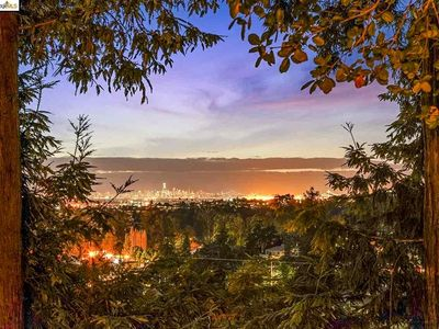 Photo for Urban Oasis w/ breathtaking views close to Airport