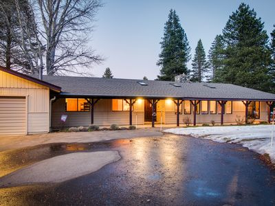 Photo for Cozy retreat w/private hot tub, golf on-site, near skiing