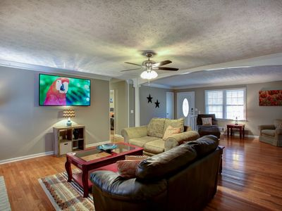 Photo for East Cobb Convenience - Whole home - Sleeps 10