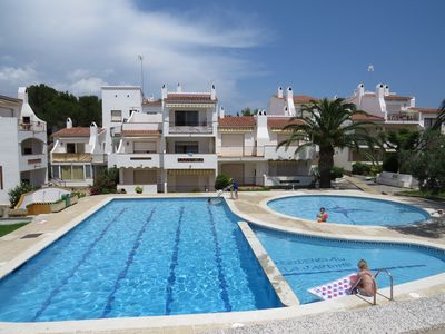Photo for J10. Apartment with community pool at 2.300m to the beach and Roses center.