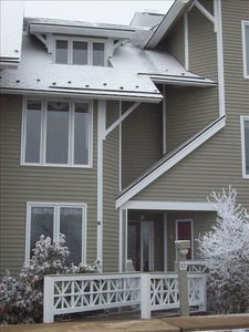 Photo for 3 Bdr/3.5 Bth Townhome-Close to Skiing Shuttle Golf Tennis Dining