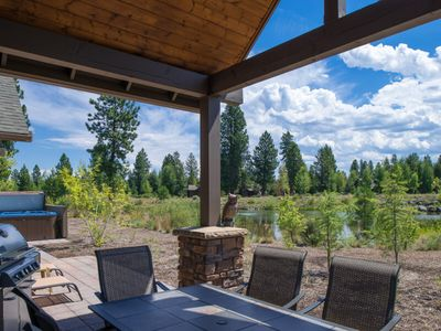 Photo for 23 Caldera Cabin: 4 BR / 5 BA cabin in Bend, Sleeps 10