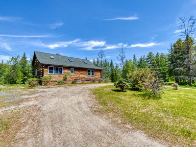 Photo for Beautiful log home w/ patio - perfect for outdoor enthusiasts, dogs OK!
