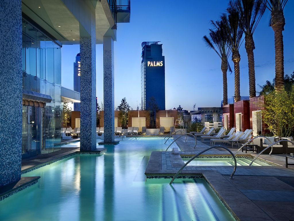 One Bedroom Suite At Palms Place Palms Place One Bedroom 15 Bath 1220 Homeaway Las Vegas