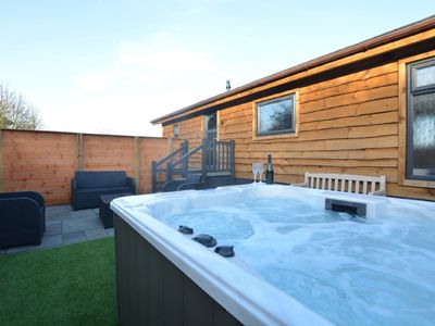 Photo for BADGERS DEN- A luxury lodge, 2 en-suite bedrooms with private hot tub