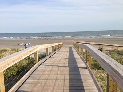 Photo for Walk To The Beach & Be in the Center of All Kiawah Has To Offer