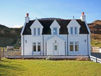 Lovely stay in a traditional home located in Diggs, Staffin Isle of Skye