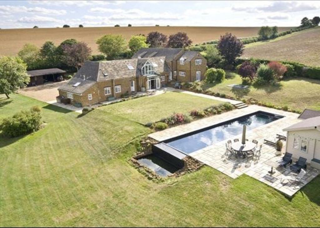 Beggars barn luxury country house oxfordsh homeaway for Luxury barn homes