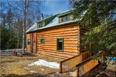 The cabin is equipped with a wheelchair and stroller ramp.