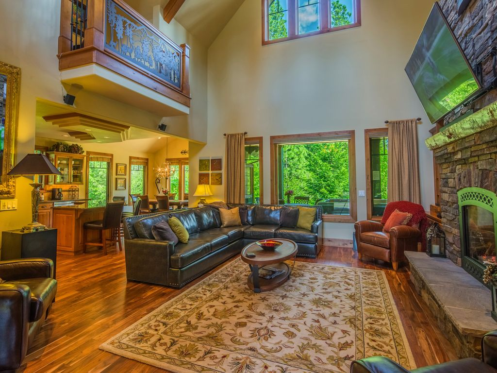Luxe buttercup manor in suncadia! game room hot tub tot 33