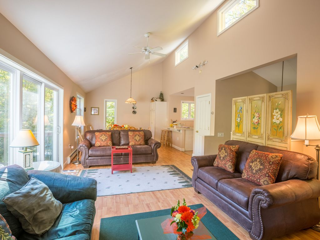 Resort Mountain Home with Hot tub Walk to P... - HomeAway