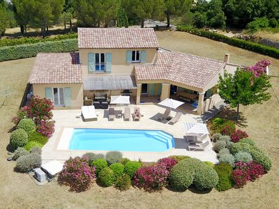 Photo for Stunning Provençal Villa, beautifully furnished with heated pool in 1.5 Acres