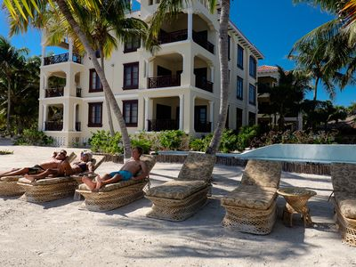 Photo for 2-bedroom Beachfront Suite Perfect for families - BEST RATES!