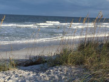 """""""5 Star"""" Rated STEPS TO THE BEACH CASUAL BEACH ELEGANCE TOWNHOME 3bd/3ba"""