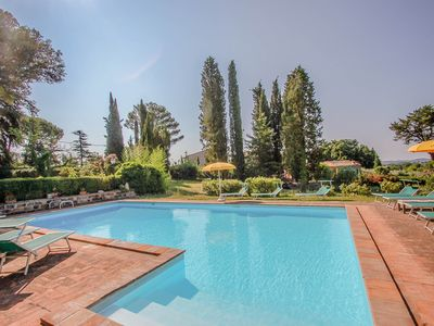 Photo for Detached villa with private pool and fenced garden 30km from Orvieto/Spoleto