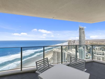 Photo for A 5 star 2-bedroom apartment in Surfers Paradise