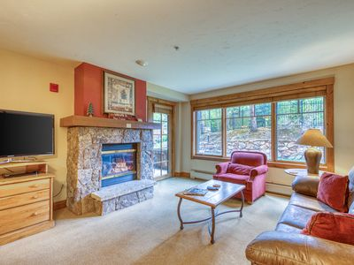 Photo for Ski-in/ski-out condo w/ shared pool/hot tubs/gym - near Main ST.