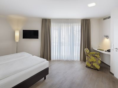 Photo for Junior Suite Accessible - TAOme - Feng Shui Stadhotel Breisgau