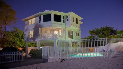 Private heated beachfront home - pet friendly