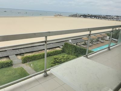 Photo for APARTMENT T1 bis, direct access to the beach and near the marina