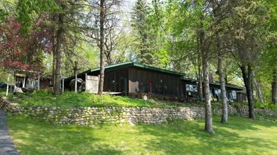 Minn Haven, lakeside retreat cabin, an hour or so from Cities. Relax... breathe.