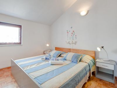 Photo for Studio flat with air-conditioning Vrboska (Hvar)