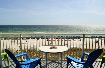 Photo for EMERALD BCH 3RD FLOOR/SAME AS WALKOVER! FREE BEACH CHAIRS! BEACHFRONT!!!