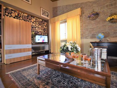 Photo for Cosy apartment for 6 guests with WIFI, A/C, TV, balcony, pets allowed and parking