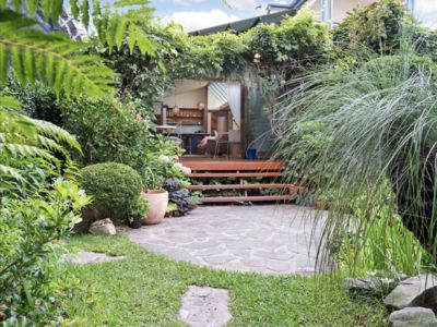Photo for Bronte Beach Cottage with Japanese Garden