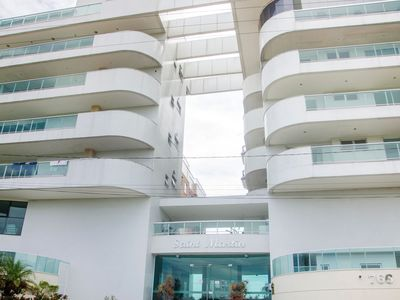 Photo for Beautiful and Large 3 bedrooms in building facing the sea