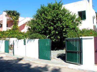 Photo for Baia Verde, apartment in villa 100 meters from the sandy beaches