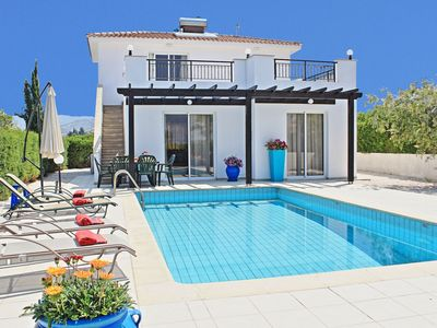 Photo for Villa Anemone: Three bedroom villa, with private pool, 50 meters away from the beach, in Argaka