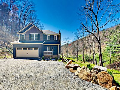 Photo for 3BR House Vacation Rental in Weaverville, North Carolina