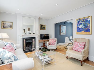 Photo for Gorgeous 2BR Apartment in the heart of Battersea