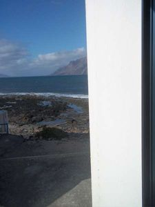 Photo for Apartment KARYSKO in Famara for 4 persons with balcony, views to the ocean, views of the volcanoes, WIFI on the go and less than 20m to the sea