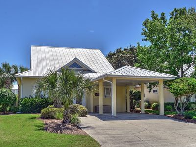 Book your next beach vacation at the Cozy Cottage in Mainsail!
